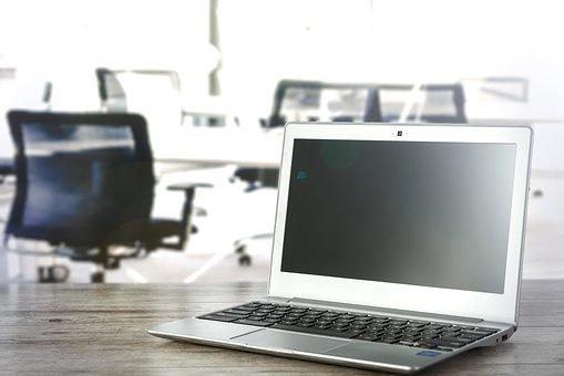 laptop-in-the-office-1967479__340.jpg